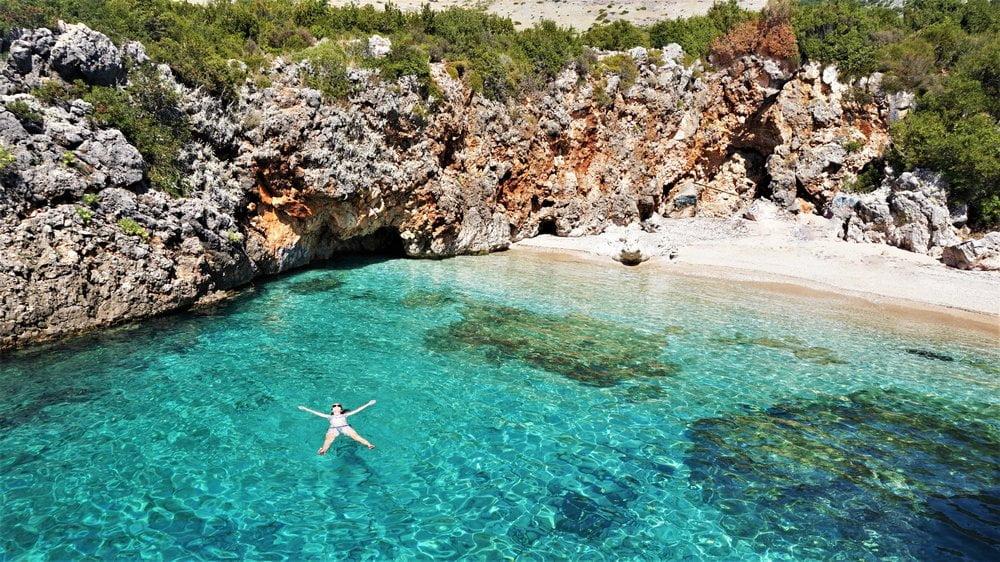 Spiaggia in Albania in Camper